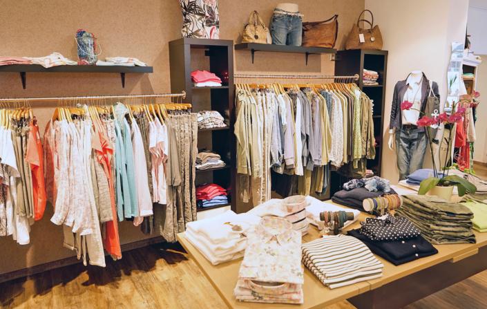 Bluse, T-Shirt, Jeans, Jacke, Tasche, hier findet jeder Geschmack das richtige