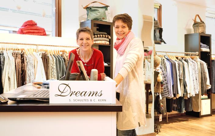 Mit einer großen Auswahl an Damenmode von Größe 34-46 bereichern die beiden Geschäftsführerinnen Christine Kern und Simone Schultes die Einkaufsstadt Kulmbach